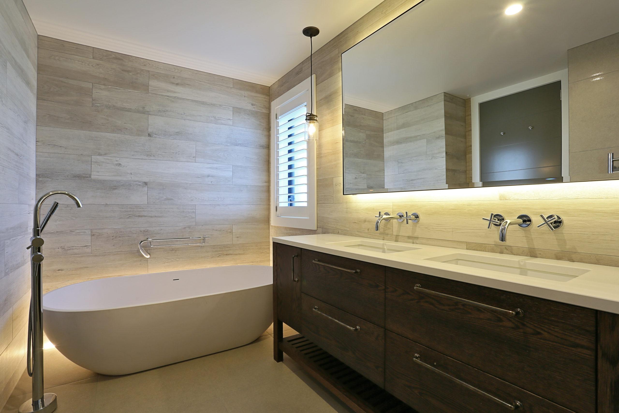 bathroom tiling double vanity bath