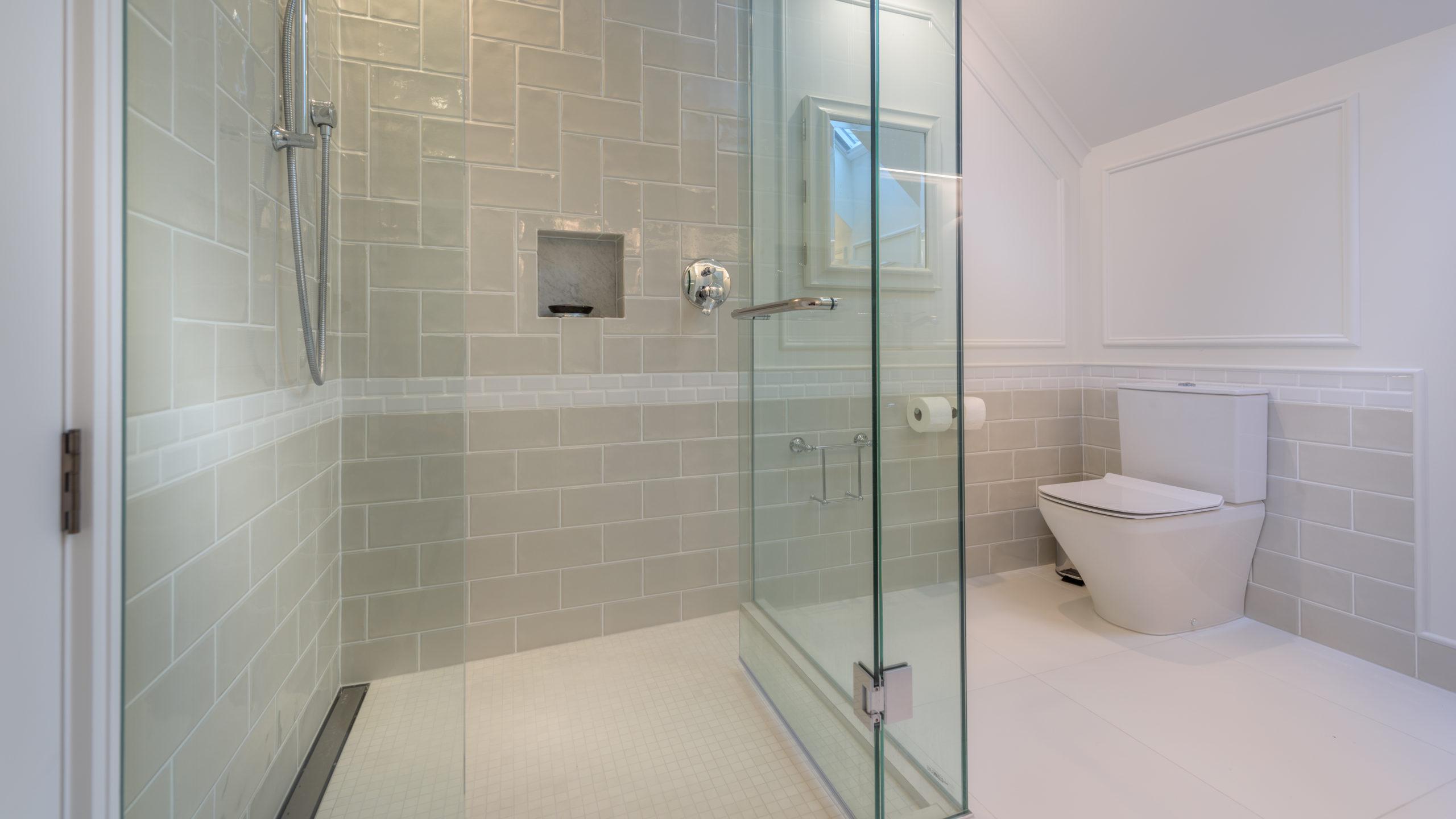 white beige bathroom tiling box