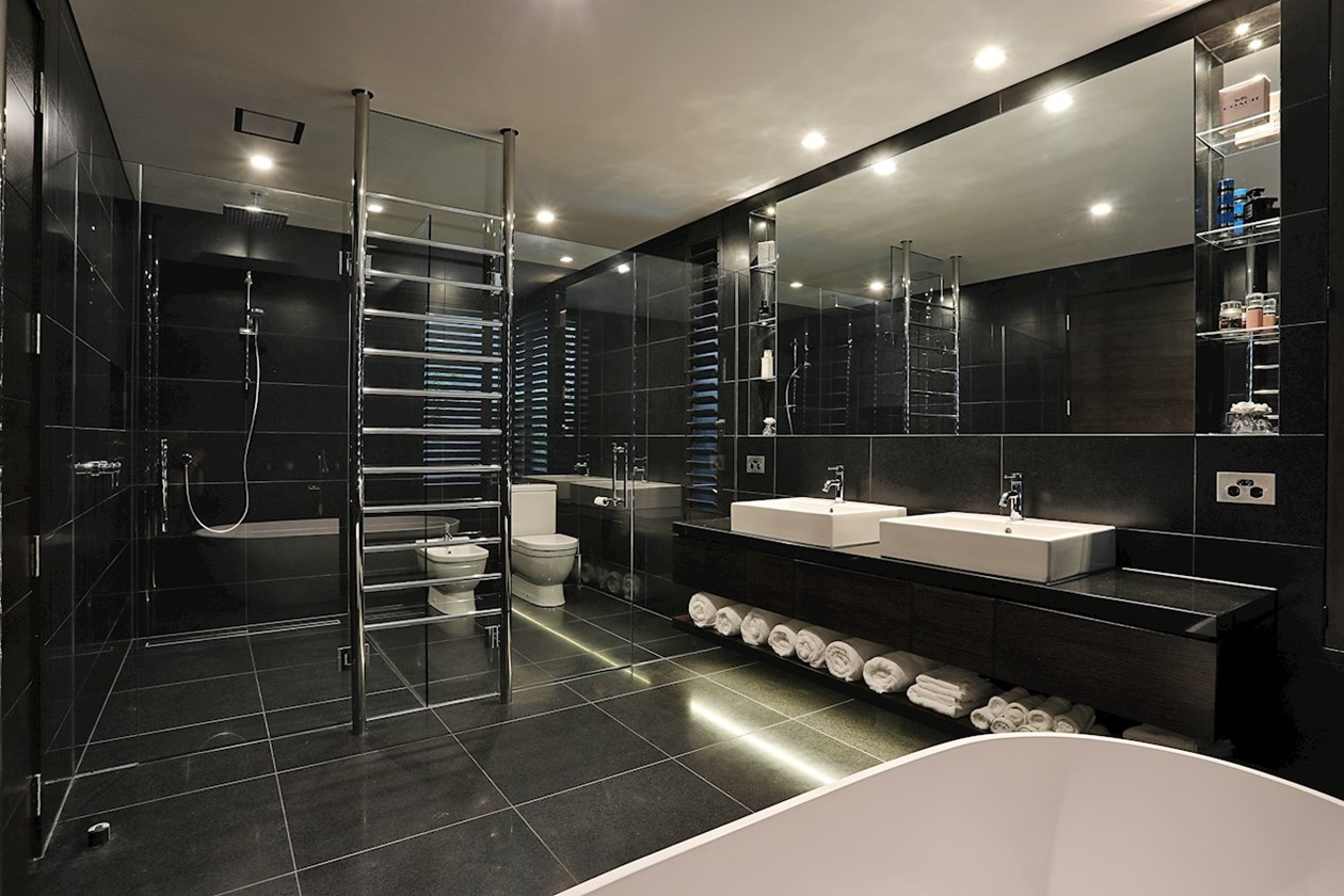 Black Tiling bathroom